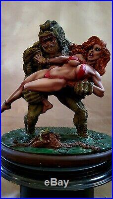 Creature From Black Lagoon With Vampirela Statue 1/6 Custom Rare + Sideshow Book