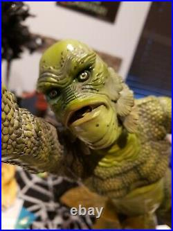 Sideshow Universal Monsters Creature From The Black Lagoon Premium statue signed